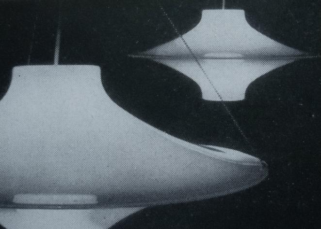 yki-nummi-skyflyer-big-pendant-plastic-acryl-light-white-big-version-edition-space-age-finland-design-sixties-1960-modernism-cencity-9