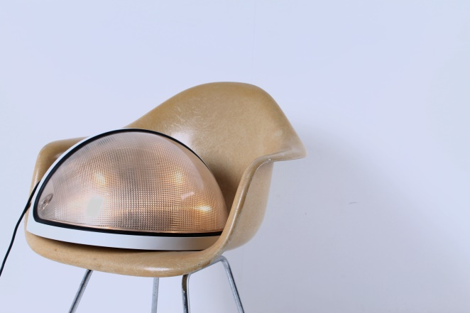 zerbetto-italy-boccato-gigante-antonio-cult-ready-made-googie-zambusi-totum-floor-light-eye-pop-art-eyes-space-age-helmet-shaped-white-design-vintage-3