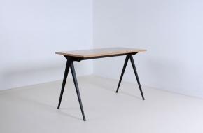 voor-pyr-table
